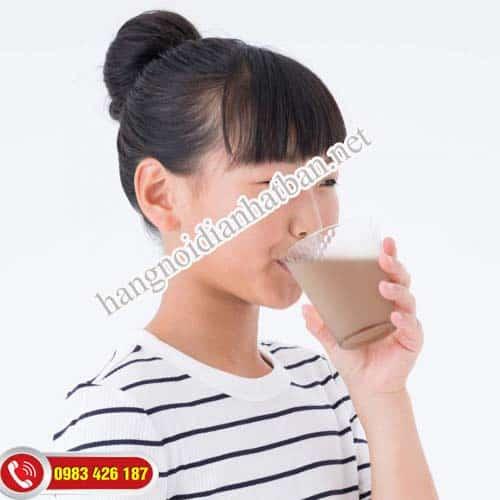 giúp bé tăng trưởng chiều cao với sữa Rohto Senobikku