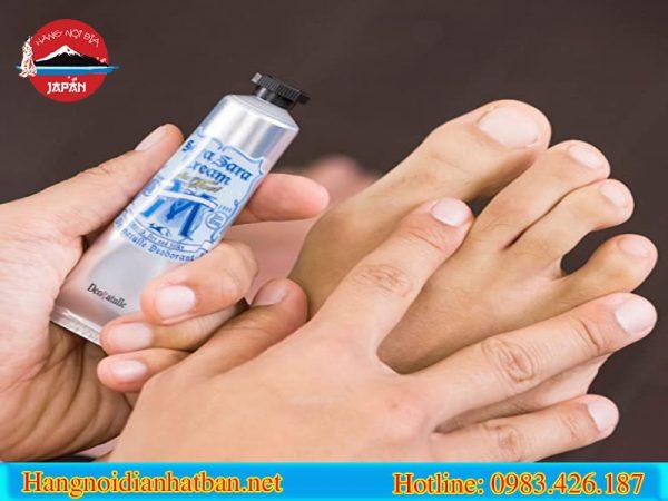 Công dụng tuyệt vời của kem trị hôi chân Deonatulle Sara Sara Cream