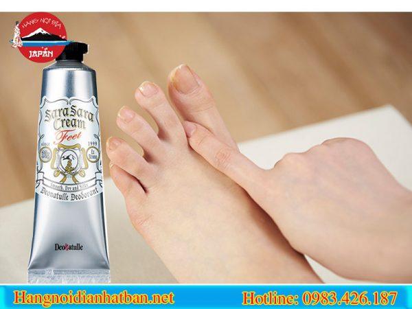 Cách thoa kem trị hôi chân Deonatulle Sara Sara Cream mang lại hiệu quả